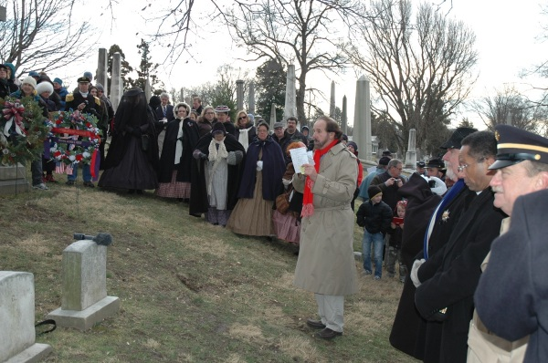 Prof. Andy Waskie, the founder and president of the General Meade Society of Philadelphia, leads the ceremony at the gravesite.