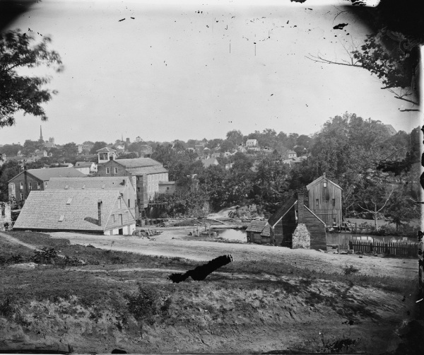 A view of Petersburg, taken shortly after the Confederates abandoned it (Library of Congress).
