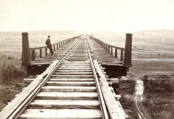 A Timothy O'Sullivan photo of the High Bridge (Library of Congress).