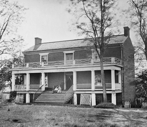 Wilmer McLean's house, as it appeared in 1865 (Library of Congress).
