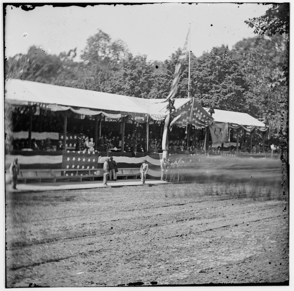 The photograph of the reviewing stand from which the top image was taken. Click to enlarge (Library of Congress).